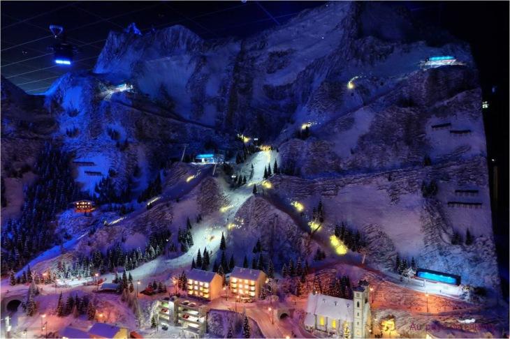 ob_33c543_miniworld-lyon-fete-lumieres-montagne